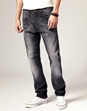 Wrangler Ben Anti Fit Tapered Jeans - 2